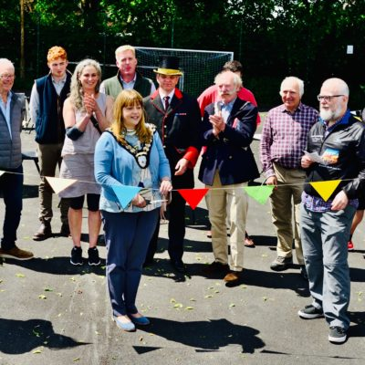 Image showing Mayor Helen Simpson cutting the ribbon to inaugurate new court surface